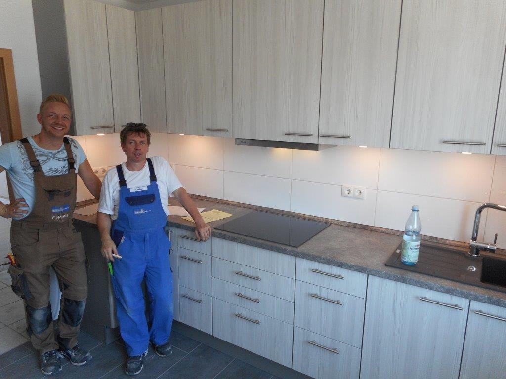 Über uns - Küchen Einbaugeräte Elektrogeräte: Behrend, Solingen